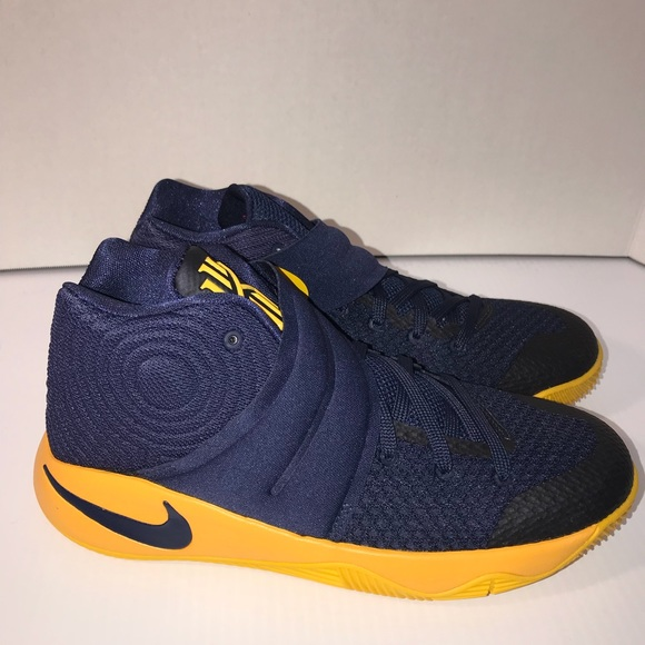 new arrivals d8ebb 17807 Nike Kyrie 2 GS Size 6.5Y Youth Kids Shoes Navy